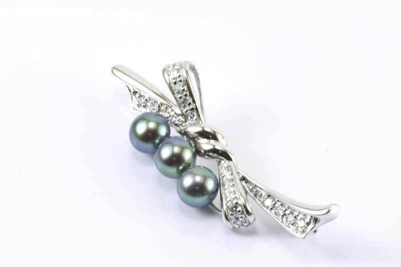 Three Black Cultured Pearls Brooch