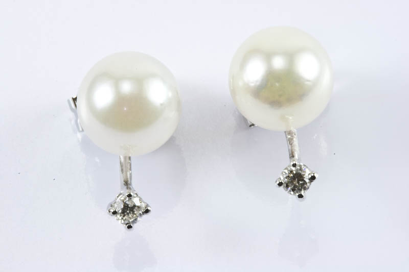 Akoya Pearl 18k/w Gold Diaomds Earrings(7.5mm, AAA Grade) - Click Image to Close