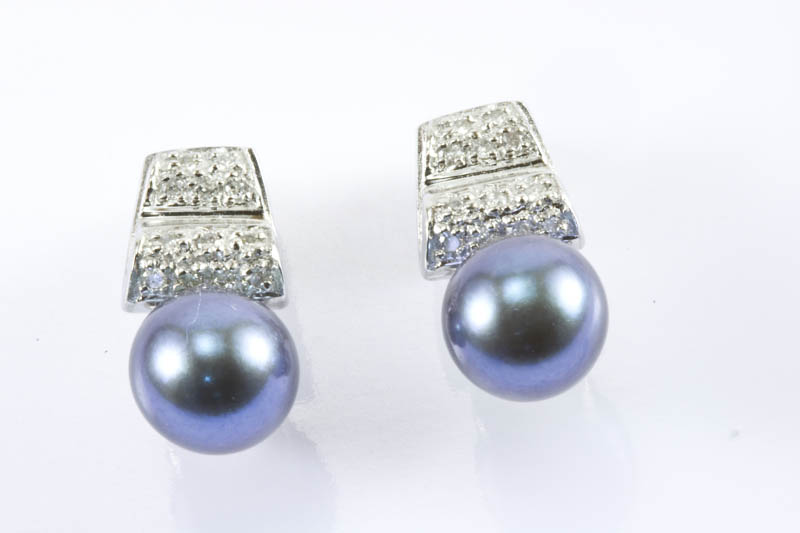 Black Akoya Cultured Pearl Earrings(7mm, AAA Grade )