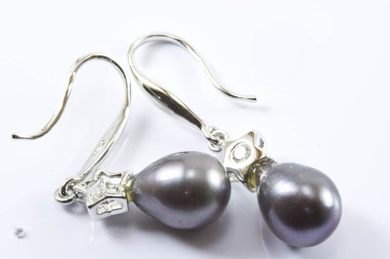 Black Pearl Earrings(18K White Gold, Diamond, Tear Drop )