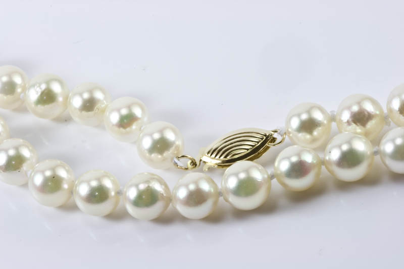 Japanese Akoya Cultured Pearl Necklace(6mm ,AAA Grade )