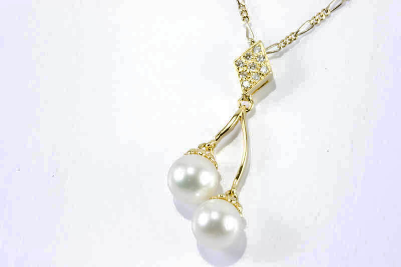 Double Akoya Pearls Pendant(7mm AAA Grade, ,18k Gold & Daimond)