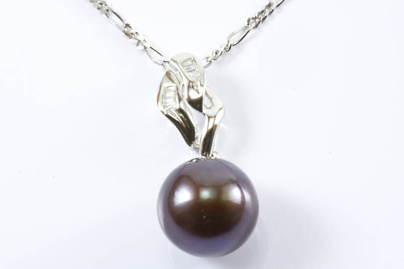 Akoya Pearl Pendant(8.5mm AAA Grade, 18k/w Gold & Diamonds)