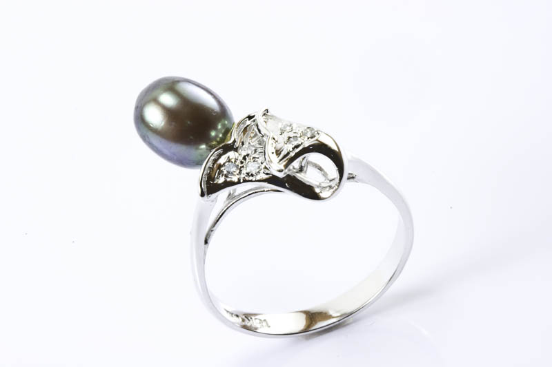Black Pearl Ring(18K White Gold, Diamonds & Tear Drop)