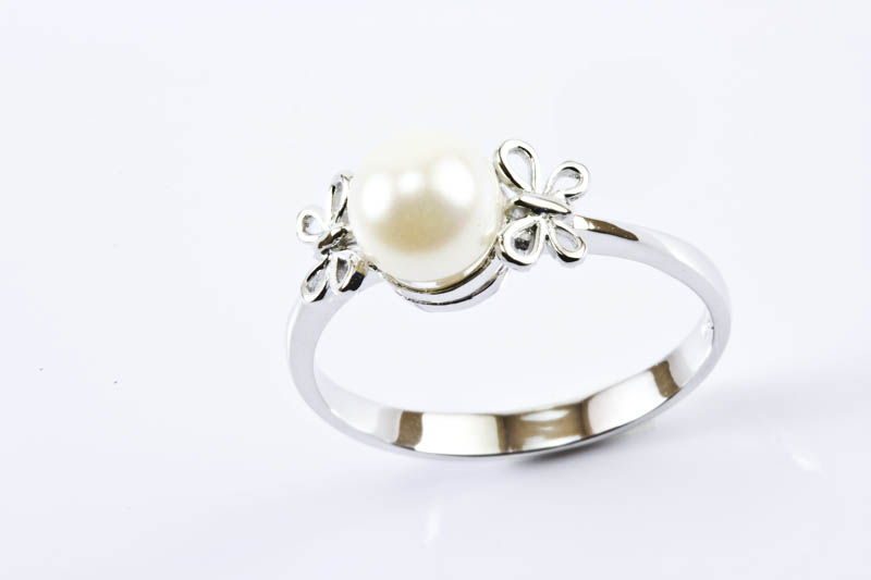 Akoya Cultured Pearl Ring(7mm, AAA Grade, 18k/w Gold)
