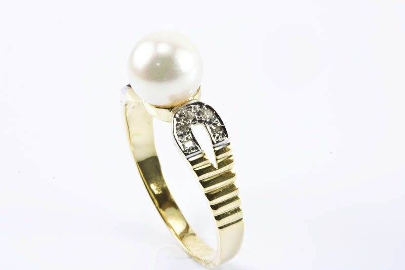 Akoya Pearl Ring(7.5mm AAA Grade, 18k Two Tones Gold, Diamond)
