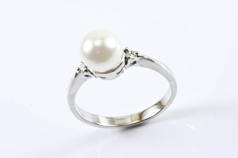 Akoya Pearl Ring(7.5mm AAA Grade, 18k/w Gold & Diamond)