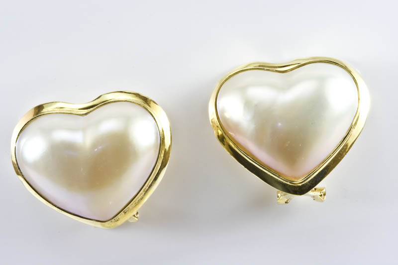 21x18mm Heart Shape Mabe Pearl Earrings