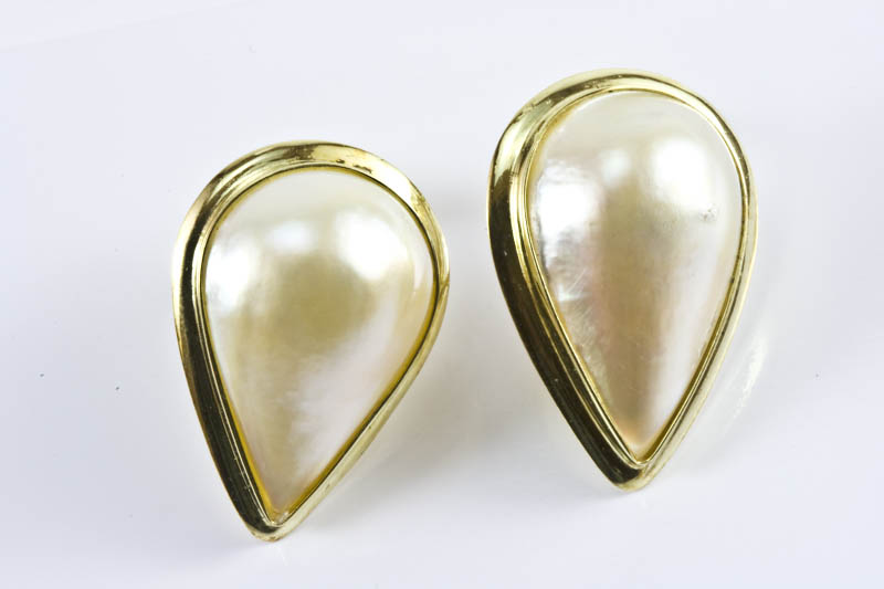 15x22mm Tear Drop Mabe Pearl Earrings