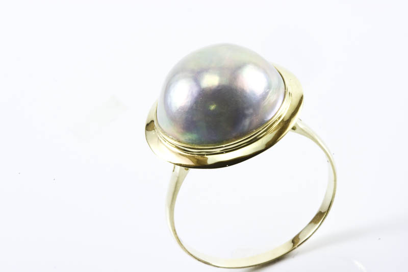 14mm Dark Gray Mabe Pearl Ring