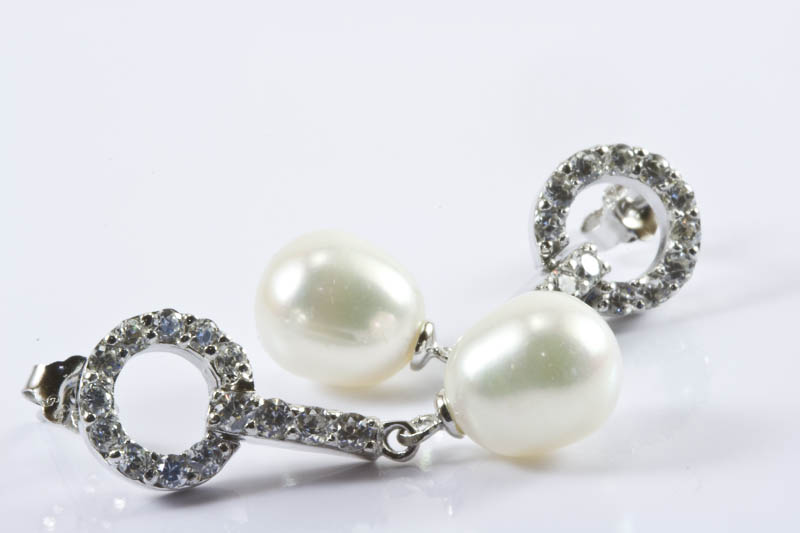 Tiffany Style Pearl Earrings - Click Image to Close