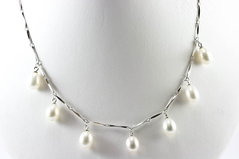 Dangling White Pearl Necklace
