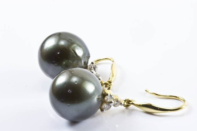 Black South Sea Pearl Earrings(12mm , 18k/w Gold, Diamond)