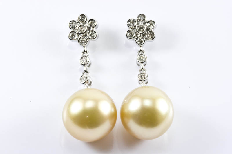 Golden South Sea Pearl Earrings 11 5mm 18k W Gold Diamond
