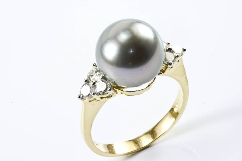 Black South Sea Pearl Ring(10.5mm, 18k Gold & Diamond)